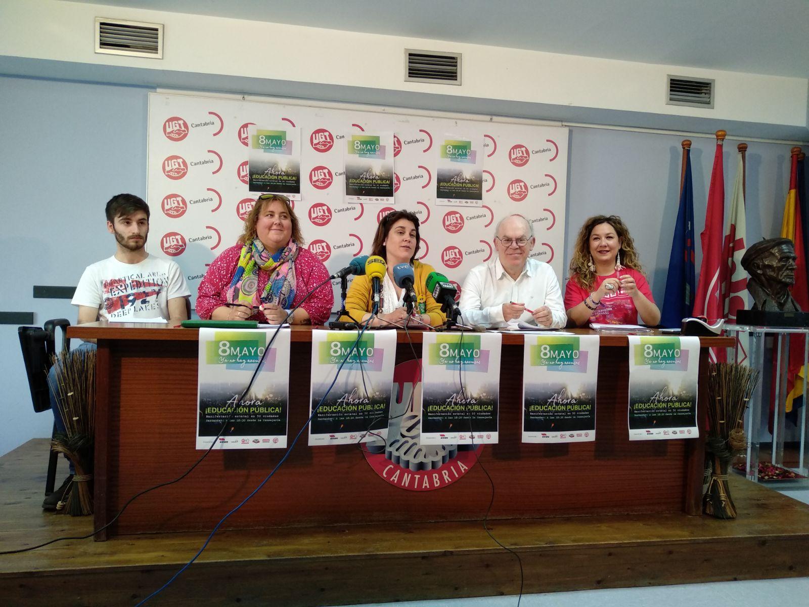 Protestas en Cantabria a favor de la enseñanza pública y contra la LOMCE